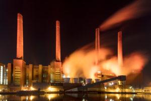 VW Werk, Mittellandkanal, Autostadt, Abend, Wolfsburg, Niedersachsen, Deutschland, Europa