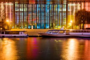 VW Werk, Mittellandkanal, Autostadt, goldene Stunde, Abend, Architektur, Wolfsburg, Niedersachsen, Deutschland, Europa