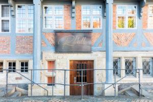 Ratskeller, Hausfassade, Haustür, Fenster, Fachwerk, Wolfenbüttel, Niedersachsen, Deutschland, Europa