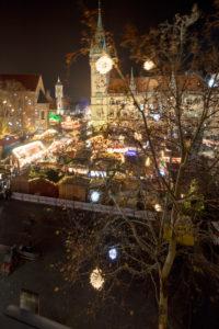 Rathaus, Platz der Deutschen Einheit, Weihnachtsmarkt, blaue Stunde, Nacht, Braunschweig, Niedersachsen, Deutschland, Europa