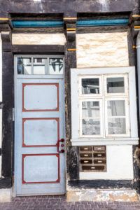 Hausfassade, Haustür, Fenster, Fachwerk, Wolfenbüttel, Niedersachsen, Deutschland, Europa