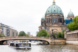 Excursion boat on the Spree at the Bodemuseum, Museum Island, UNESCO World Heritage Site, Mitte, Berlin, Germany