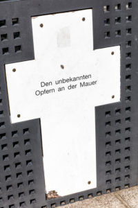 Spreeufer, memorial crosses, memorial, Spreebogenpark, government district, Berlin, Germany