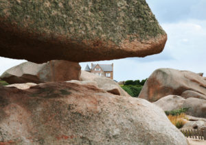 France, Brittany, Cote de Granit Rose, near Ploumanach tollkeeper's path