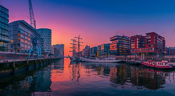 Germany, Hamburg, the Elbe, harbour, hafencity, ships