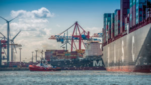 Germany, Hamburg, Elbe (river), 'Fischmarkt', harbour, container terminal, Tollerort, container ship, container, tug, harbour tug,