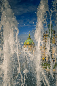 Europe, Denmark, Copenhagen, centre, the fountains in front of the castle Amalienborg, in the background the marble church,