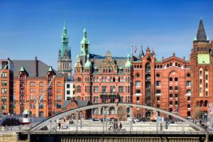 Brooktorhafen mit Blick auf die Speicherstadt in Hamburg, Deutschland, Europa