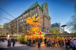 Weihnachtsmarkt in der Spitalerstraße in Hamburg, Deutschland, Europa