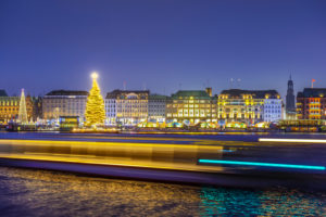 Germany, Hamburg, Neustadt, Alstertanne on the Binnenalster at Christmas time