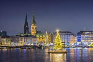Germany, Hamburg, Neustadt, Alstertanne on the Binnenalster during Christmas time