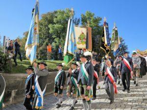 Germany, Bavaria, Andechs, Three Hosts Fest, procession, flag bearer