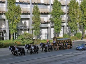 Germany, Bavaria, Munich, Oktoberfest, Augustiner-Harness, drive home, Landsberger Straße