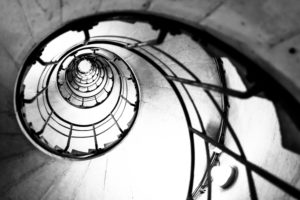 Treppe auf den Triumphbogen in Paris