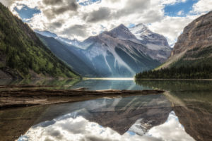 Canada, British Columbia, Mount Robson National Park, Kinney Lake