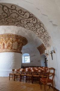 Round pillars and choir arch in the Ny Kirke (12th century), Europe, Denmark, Bornholm, Nyker,