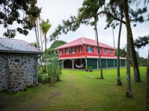Rhum JM, Destillation JM Rhum, ehemaliges traditionelle Wohnhaus, Zuckerrohrplantagen