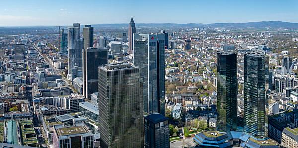 Deutschland, Hessen, Frankfurt, Blick vom Main Tower nach Nordwesten.