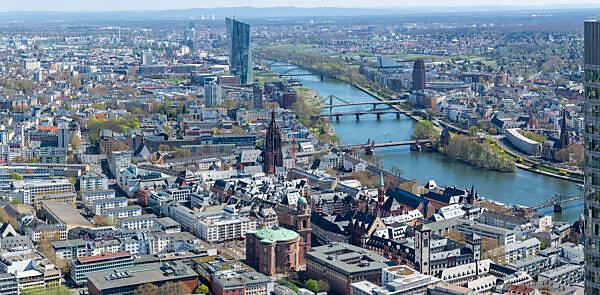 Deutschland, Hessen, Frankfurt, Blick vom Main Tower Richtung Paulskirche, Kaiserdom und EZB Hochhaus.