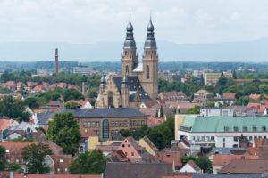 Speyer, Blick vom Dom auf die Stadt, im Hintergrund die Pfarrkirche St. Joseph.