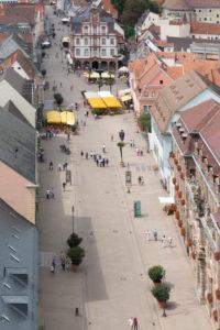 Speyer, Blick vom Dom auf die Maximilianstraße