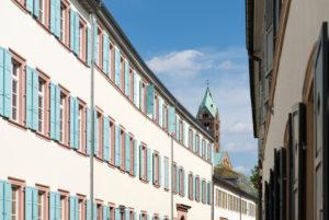 Speyer, die Hellergasse im Hintergrund der Dom