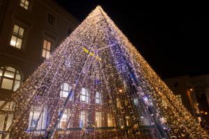 Germany, Baden-Württemberg, Karlsruhe, Christmas pyramid on market square