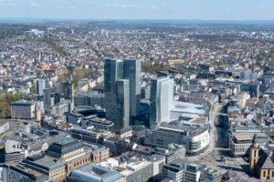 Deutschland, Hessen, Frankfurt, Blick vom Main Tower nach Nordosten.