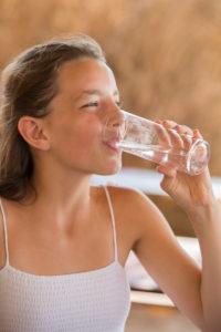 Wasser, trinken, Mädchen