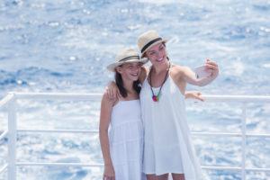 Sisters, selfie, hugging, hat