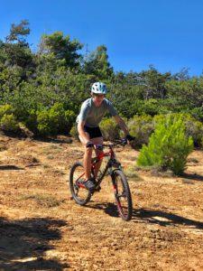 Jugendlicher, Mountainbike, Radfahrer, Gelände, Sport, Urlaub, Anstrengend, Freude,