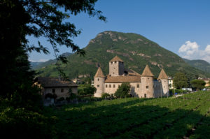 Italien, Suedtirol, Bozen, Altstadt, Schloss Maretsch