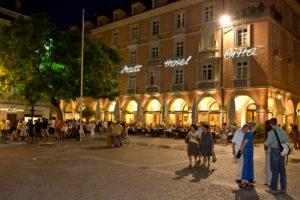 Italien, Suedtirol, Bozen, Altstadt, Nachtleben Walterplatz Stadt Hotel