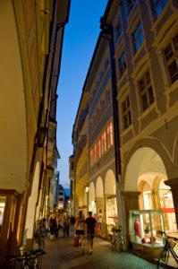 Italien, Suedtirol, Bozen, Altstadt, Laubengasse