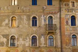 Italien, Trentino-Südtirol, Trentino, Trento / Trient, Zentrum, Altstadt, Via Belenzani Piazza Duomo Rella-Häuser
