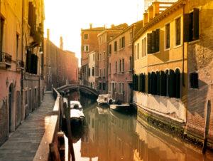 Canal in Venedig abseits der Touristen-Ströme