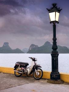 Blick auf die Halong Bucht von der Insel Cat Ba aus