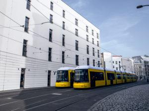 Straßenbahnen am Hackeschen Markt in Berlin