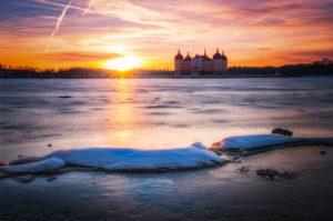 Schloss Moritzburg, See, Spiegelung, Gegenlicht, Sonnenuntergang, Winter, Eis