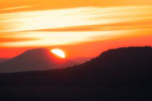 Sonnenaufgang, Sächsische Schweiz,Sachsen, Deutschland, Nationalpark, Berge