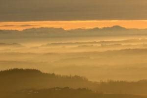 atemberaubender Blick von St. Stefan im Mühlviertel nahe der tschechischen Grenze in die österreichischen Alpen