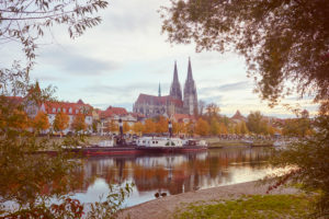 Regensburger Dom, view from the Jahn island, Marc-Aurel-shore, autumn, Regensburg, Bavaria, Germany, Europe