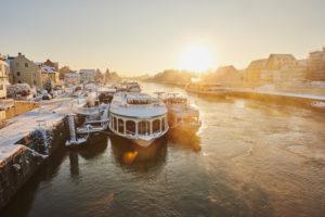 Old town of Regensburg at donau river in winter, Regensburg, Upper Palatinate, Bayern, Germany, Europa