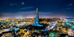 Iceland, Reykjavik, Hallgrímskirkja by night