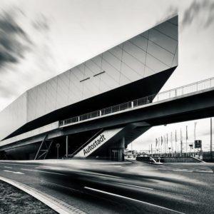 Phaeno Wolfsburg, Brücke in Richtung Autostadt