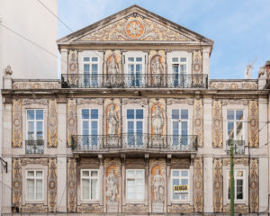 Bairro Alto district, house facade Aqua Terra, wall painting