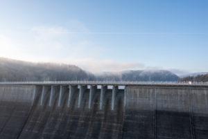 Germany, Saxony-Anhalt, Upper Harz, Rappbodetalsperre, dam wall, fog, resin.