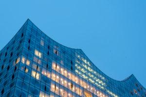 Deutschland, Hamburg, Blick auf das Dach der Elbphilharmonie in Hamburg, Hafen-City.