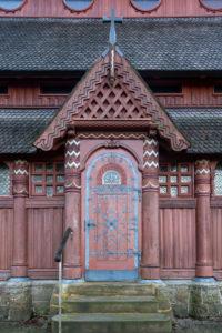 Deutschland, Niedersachsen, Harz, Goslar, Eingang zur Gustav-Adolf-Stabkirche in Hahnenklee, 1907 - 1908 erbaut, Vorbild dafür war die Stabkirche von Borgund in Norwegen.