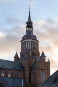 Deutschland, Mecklenburg-Vorpommern, Stralsund, St. Marienkirche, dreischiffige Kirche